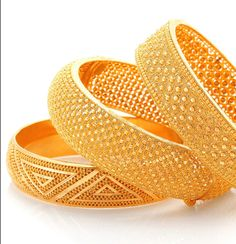 The sheer brilliance of gold combined with your dazzling personality ! Gold Bangles For Women, Gold Bangles Design, Gold Jewellery Design, Gold Jewelry, Jewelery, Fine Jewelry, Gold Bracelets, Jewellery Uk, Jewelry Stand