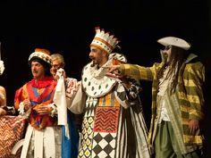 """Al teatro Don Bunino di Bussoleno Marco Scoffone con la compagnia """"Il Teatro"""" mette in scena una storia di intrighi, matrimoni, magie e trasformazioni."""