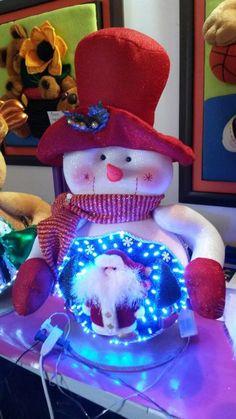 lampara en 3 d Christmas Fabric, Christmas Art, Beautiful Christmas, Christmas Decorations, Xmas, Christmas Ornaments, Holiday Decor, Soft Sculpture, Fabric Decor