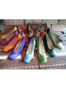 Festhető selyemszatén alkalmi cipők és táskák - Divatos és elegáns  menyasszonyi ruhák dc83fcad93