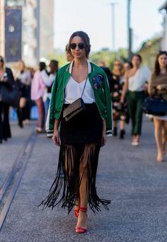 #Falda de #Flecos con #Camiseta lencera es una opción perfecta para este #Verano