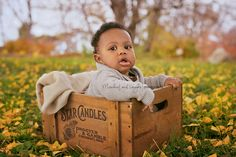 Poses for baby who can't sit alone, 6 month baby in box. © Mischief and Laughs Photography