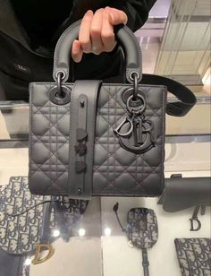 Dior Handbags, Louis Vuitton Handbags, Best Designer Bags, Hand Bags Designer, Replica Handbags, Designer Handbags, Designer Belts, Chanel Purse, Chanel Bags