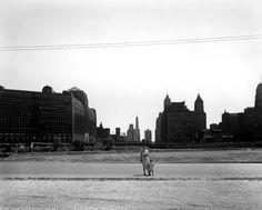 Harry Callahan, Eleanor and Barbara, Chicago.