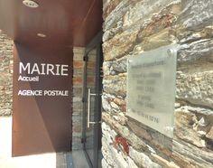 Saint-Martin-Sur-Oust (56) Saints, Retail, Wall Signs, Billboard, Openness, Drinkware, Sleeve, Retail Merchandising