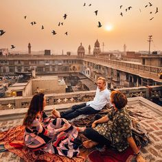 Old Delhi The #IndiaInstameet brought some of the world's best creators together for a week exploring the beauty of India. Here, @taramilktea, @sam_kolder and I enjoyed chilling out above the madness in Delhi during sunrise on our final morning. Couldn't have asked for a better way to end the trip!  #beautifuldestinations // @beautifuldestinations @theluxurycollection @itchotels