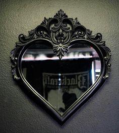 Herzspiegel-Schwarz - home swee† home - Gothic Dark Home Decor, Goth Home Decor, Black Room Decor, Gypsy Decor, Gothic Room, Gothic House, Gothic Art, Home Decor Accessories, Decorative Accessories