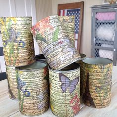 Artículos similares a Repurposed lata Shabby Chic en Etsy Decoupage Tins, Napkin Decoupage, Decoupage Vintage, Vintage Crafts, Tin Can Crafts, Farm Crafts, Diy And Crafts, Arts And Crafts, Tin Can Art