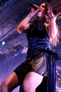 Find This Pin And More On Floor Jansen.