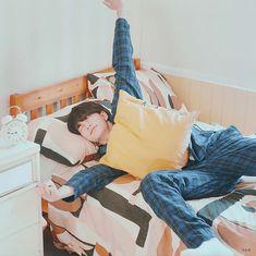 # in which seungmin wants a boyfriend just like the one in the photo. Jooheon, Sanha, Kids Wallpaper, Drama Queens, Lee Know, Kpop Boy, Boyfriend Material, K Idols, Pretty Boys