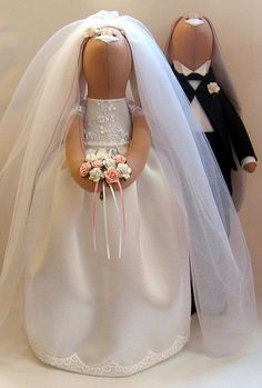 Hey, I found this really awesome Etsy listing at https://www.etsy.com/pt/listing/185090558/wedding-bunnys-custom-tilda-doll