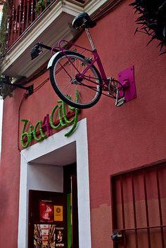 ♂ Signage from Spain Tienda de cletas y taller en Sevilla by Claudio Olivares Medina, via Flickr