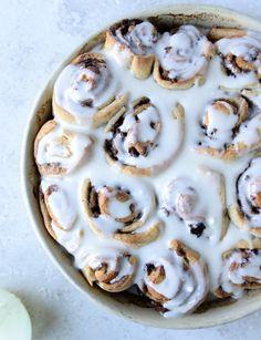 bacon cinnamon rolls I howsweeteats.com