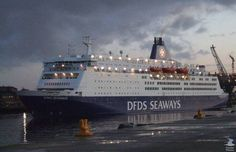 Google Image Result for http://www.trawlerphotos.co.uk/gallery/data/631/medium/King_Seaways.JPG