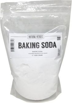 Baking Soda, 50 ways to use this miracle cure - Firma Household Healthy Eating Tips, Healthy Nutrition, House Cleaning Tips, Cleaning Hacks, Sodium Bicarbonate, Vegetable Drinks, Healthy Beauty, Natural Solutions, Clean House