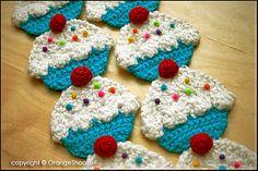 Cupcake Scarf pattern by Twinkie Chan