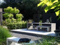 Moderne tuin in het groen