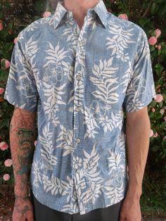 Hawaiian Men, Vintage Hawaiian Shirts, Mens Hawaiian Shirts, Blue Hawaiian, Hawaii Shirts, Hawaiian Luau, Surf Style Men, Summer Outfits For Teens, Tomboy Fashion
