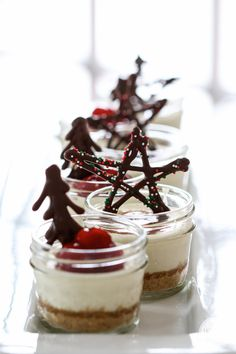 Mini Mason Jar Cheesecakes with DIY Festive Chocolate Garnishes