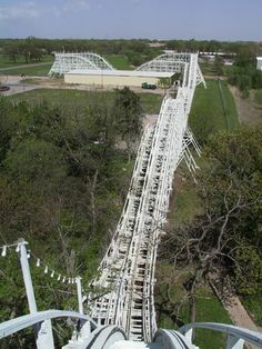 pictures of Joyland in Wichita, KS - it was one of the last operational wooden roller coasters in America until abandoned. Abandoned Theme Parks, Abandoned Amusement Parks, Abandoned Buildings, Abandoned Places, Abandoned Castles, Abandoned Mansions, Amusement Park Rides, Land Of Oz, Home On The Range