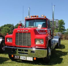 Collection Of Old School Mack Truck Pictures You Shouldn't Miss! Old Red R Model Mack Truck Mack Dump Truck, Old Mack Trucks, Big Rig Trucks, Dump Trucks, Fire Trucks, Classic Tractor, Classic Trucks, Cab Over, Show Trucks