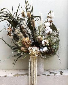 Dried Flower Bouquet, Dried Flowers, Dried Flower Arrangements, Winter Floral Arrangements, Floral Wedding, Wedding Flowers, How To Preserve Flowers, Flower Boxes, Floral Bouquets