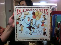 Cookie tins with lovely illustrations/Korea