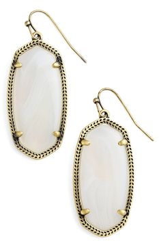 Can't get over these cute Kendra Scott drop earrings!