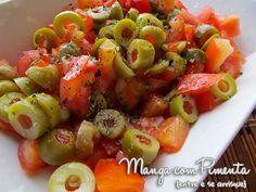 Salada de Tomate e Azeitona, clique na imagem para ver a receita desta salada maravilhosa no Manga com Pimenta.