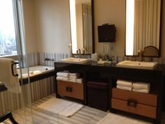 The #Trump #SoHo – Huge luxury #bathrooms, especially so for New York City #NYC