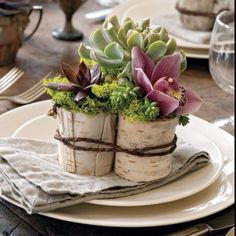 This is fabulous... Just need a larger version of this for the centerpieces! So cute! <3