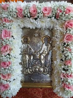 Greek Icons, Church Icon, Orthodox Easter, Church Flowers, Funeral, White Flowers, Religion, Floral Wreath, Wreaths
