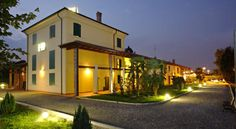 Hotel Gabarda Carpi Offering a peaceful location in a residential area of Carpi, this elegant hotel offers a restaurant and garden. All air-conditioned rooms come with a flat-screen satellite TV and free Wi-Fi. Historic Modena is 17 km away.
