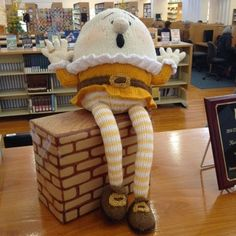Little Yellow Sewing Box: Satisfaction at the library
