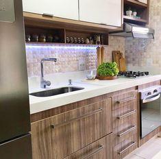 Diy Kitchen Furniture, Kitchen Decor, Design Your Kitchen, Interior Design Kitchen, Small House Decorating, Kitchen Models, Dream Home Design, Kitchen Trends, Minimalist Kitchen
