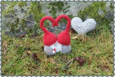 Steen in the cottage: Crocheted elves or a real plot kiss! Christmas Crafts, Christmas Decorations, Christmas Ornaments, Holiday Decor, Knitted Heart, Love Craft, Christmas Knitting, Holidays And Events, Needle Felting