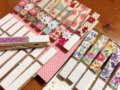 そのハギレ捨てないで!子供も喜ぶ布シールへリメイクしちゃいましょ♪ – Handful[ハンドフル] Homemade Gifts, Diy And Crafts, Calendar, Gift Wrapping, Sewing, Holiday Decor, Handmade, Craft, Recycling