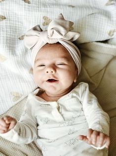 Outstanding baby nursery information are readily available on our site. Check it out and you wont be sorry you did. Lil Baby, Little Babies, Little Ones, Baby Kids, Newborn Baby Girls, Cute Baby Pictures, Baby Photos, Newborn Pictures, Outfits Niños