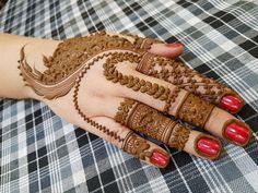 Beautiful Mehndi Design - Browse thousand of beautiful mehndi desings for your hands and feet. Here you will be find best mehndi design for every place and occastion. Quickly save your favorite Mehendi design images and pictures on the HappyShappy app. Dubai Mehendi Designs, Best Arabic Mehndi Designs, Modern Mehndi Designs, Dulhan Mehndi Designs, Mehndi Design Pictures, Wedding Mehndi Designs, Beautiful Mehndi Design, Latest Mehndi Designs, Henna Mehndi