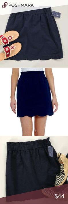 """NEW Lauren James NAVY Solid Seersucker Skirt M Product Details Say hello to your favorite everyday skirt! The cinched elastic waist and scalloped hem make this skirt a necessity. Great side pockets.      * 55% Polyester/45% Cotton     * Side seam pockets     * Fully lined     * Pull-on, elastic waistband     * Scalloped hem     * Machine wash cold, hang dry Waist to hem 19"""" Waist unstretched 14.5"""" -stretches to 18"""" flat Hips 22"""" flat Lauren James Skirts Pencil"""
