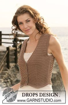 "Gilet corto DROPS ai ferri, in ""Safran"" e ""Cotton Viscose"". Taglie: Dalla S alla XXXL. ~ DROPS Design"