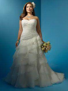 Vestido de novia de organza con falda irregular de Alfred Angelo