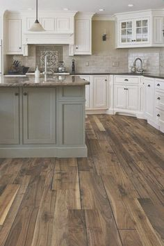 Best Difference Farmhouse Kitchen Cabinets - Haus Dekoration Initial kitchen design ideas is it Ingenious Kitchen cabinetry. Excellent kitchen ideas and develops Farmhouse Kitchen Cabinets, Modern Farmhouse Kitchens, Kitchen Cabinet Design, Kitchen Cabinetry, Rustic Farmhouse, Kitchen Countertops, Soapstone Kitchen, Kitchen Backsplash, Small Kitchens