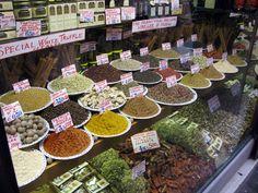 Antica Drogheria Mascari, Ruga del Spezieri 381 #Venezia #tuttaperme #drogheria #spezie #fruttasecca #tè #cibo