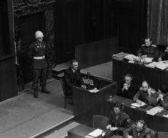 Zeuge der Anklage:  Paulus sagt 1946 im Rahmen der Nürnberger Prozesse vor...