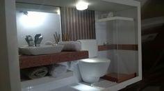 Quadro de banheiro em miniatura com LED