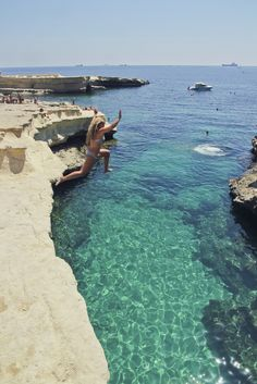 Cliff jumping at Peter's Pools in South Malta | Alex in Wanderland #Europe #travel