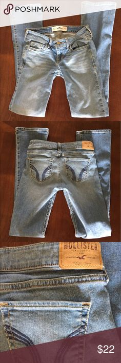 Hollister Jeans! These light-wash, denim jeans from Hollister are in excellent condition! Size 1 and true to size. Hollister Jeans Boot Cut