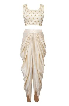Indian Gowns Dresses, Indian Fashion Dresses, Indian Designer Outfits, Indian Outfits, Fashion Outfits, Designer Clothing, Designer Party Wear Dresses, Kurti Designs Party Wear, Lehenga Designs