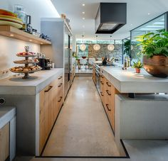 Check out this kitchen with the PMQ furniture pulls in Aged Iron. Design by Francois Hannes. Home Decor Kitchen, Kitchen Interior, Home Kitchens, Industrial Kitchen Design, Modern Kitchen Design, Concrete Kitchen, Beautiful Kitchens, Kitchen Remodel, Sweet Home